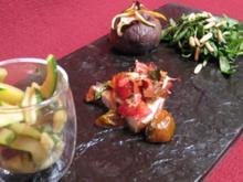 Rucolasalat an Feigen-Dressing mit überbackener Aubergine und Zucchini - Rezept