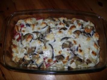 Auberginen mit Nudelfüllung - Rezept