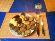 Fleisch: Bratwürstchen mit Bratkartoffeln und La Kama Sudan - Soße - Rezept