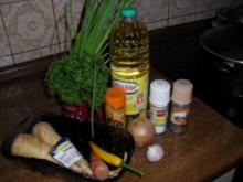 Pastinaken-Suppe mit Karottenstäbchen - Rezept