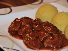 Rindsgulasch (Wiener Saftgulasch) - Rezept