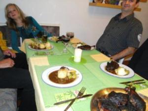Gänsekeulen (eingelegt) mit Apfelrotkohl und Rosenkohl und selbstgemachte Knödell von - Rezept