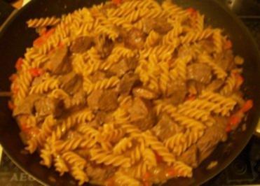 Rezept: Kochen: Gulasch-Nudel-Pfanne