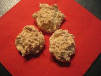 Weihnachtsplätzchen Kokosmakronen.Weihnachtsplätzchen Kokosmakronen