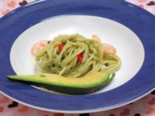 Spaghetti-Salat mit Avocado und Garnelen - Rezept