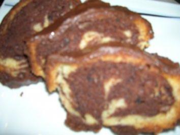 Rezept: Marmorkuchen mit Mandel und Creme fraiche