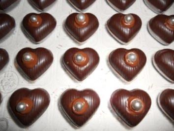 PRALINEN - Erdbeer-Herzen - Rezept