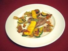 Rindersteak auf gebratenen Pfifferlingen und Zucchini mit Polenta-Sticks - Rezept