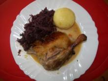 Entenbraten mit Klößen und Rotkohl - Rezept
