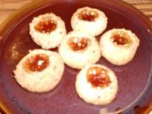 Backwaren: Gefüllte Nußkugeln - Rezept