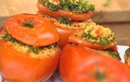 Gefüllte Tomaten mit Kräuterkruste - Rezept