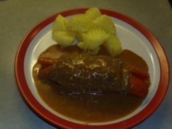 Fleischgerichte: Rouladen mit Bärlauchcreme und Wurzeln - Rezept