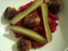 Rote Bete Püree mit scharfen Bratwurstbällchen - Rezept