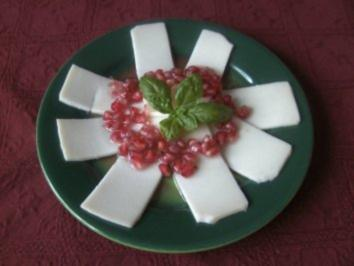 Ziegenkäse - Carpaccio mit Granatapfel - Dressing - Rezept