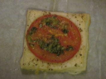 Tomaten Blätterteig Quadrate - Rezept