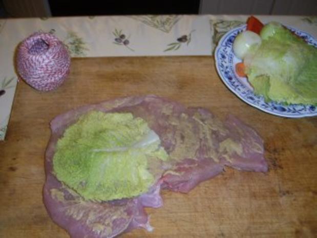 Gefüllte Putenrolle an Malzbiersauce mit Lauchgemüse und Schupfnudeln - Rezept - Bild Nr. 10
