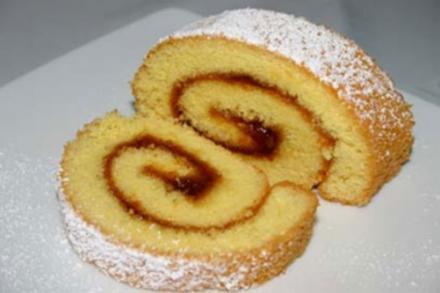 Biskuitroulade / Swiss roll - Rezept