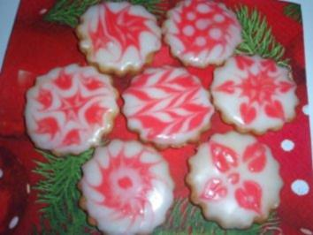 Kekse: Mürbteigkekse mit Zuckerglasur - Rezept