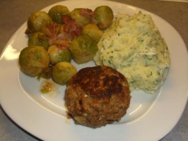 Fleischgerichte: Buletten mit Bärlauchcreme und Camembert gefüllt - Rezept