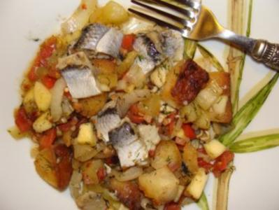 Lauwarmer Bratkartoffel- Bismarckheringssalat - Rezept