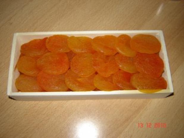 Konfekt : Aprikosen-Marzipan-Bissen - Rezept - Bild Nr. 2