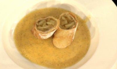 Wiener Apfelstrudel mit Vanillesoße à la Zacherl - Rezept