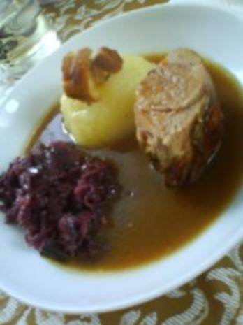 Gefüllte Schweinelende mit Thüringer Klößen und fruchtigem Rotkohl - Rezept - Bild Nr. 2