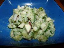 Gurkensalat mit Apfel und Sahne - Rezept