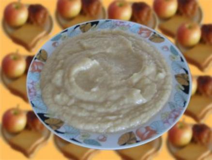 Babybrei - Bratapfel mit Zwieback ab 6 Monat - Rezept