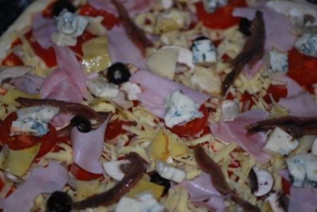 """""""Pizza Prosciutto"""" mit allem Drum und Dran - Rezept - Bild Nr. 9"""