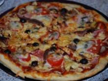 """""""Pizza Prosciutto"""" mit allem Drum und Dran - Rezept"""