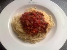 Spagetti mit Tomaten-Hacksauce - Rezept