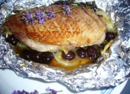 Entenbrust mit Oliven und Honigkruste - Rezept