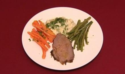 Roastbeef mit in Honig geschwenkten Buttermöhren, Bohnen,  Kartoffelmus (Annett Fleischer) - Rezept