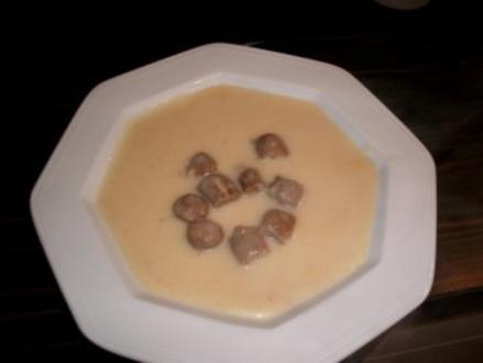 Käsesuppe mit Merguez Bällchen - Rezept