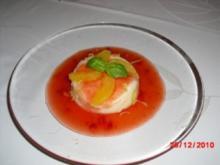 Griessflammeri mit Erdbeerfruchtsuppe und Orangenfilets - Rezept