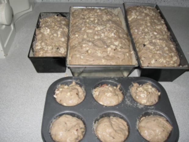 selbstgebackeneRoggenmischbrot mit Körner und Mandeln  ( abgewandelte Form) - Rezept - Bild Nr. 3