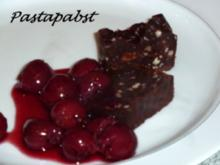 Nuss-Pastete an Vanille-Kirschen - Rezept