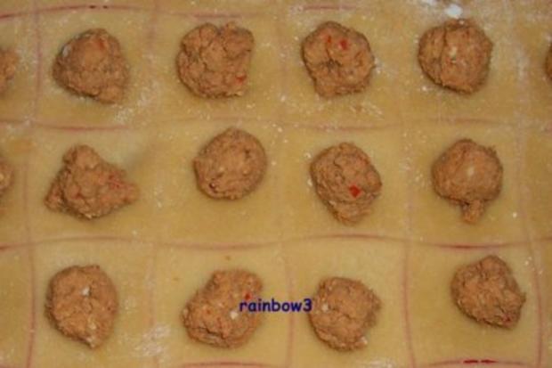 Kochen: Ravioli mit Enten-Füllung und dazu Möhren-Orangen-Sauce - Rezept - Bild Nr. 2