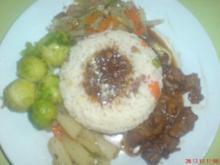 Wildschweingulasch mit Gemüsereis - Rezept