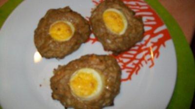 Putenpflanzerln mit gekochter  Eierscheibe - Rezept