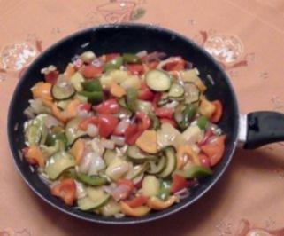 Süßsaueres Pfannengemüse karamelisiert - Rezept