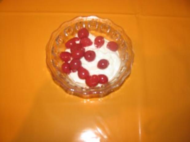 *****Kirsch-Sahne-Quark-Joguhrt Dessert***** - Rezept - Bild Nr. 2