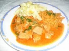 Kalbsgulyas mit Tarhonya  (oder Nockerl) - Rezept