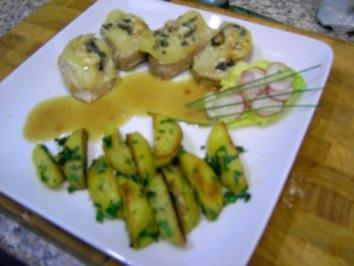 Medaillons m.Birne u.Blauschimmelkäse überbacken - Rezept