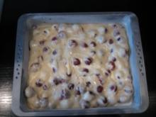 Sauerkirschkuchen mit Nußkruste - Rezept