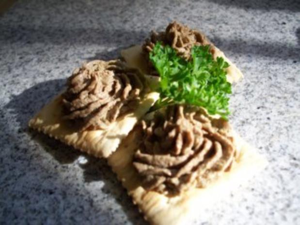 Hühnerleber-Paté mit Balsamico-Zwiebeln - Rezept