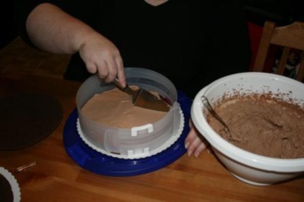 Torten: Trüffeltorte mit einem Hauch von Zimt - unsere Weihnachtstorte - Bilder sind on - - Rezept - Bild Nr. 22