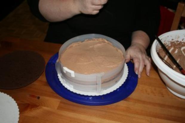 Torten: Trüffeltorte mit einem Hauch von Zimt - unsere Weihnachtstorte - Bilder sind on - - Rezept - Bild Nr. 26