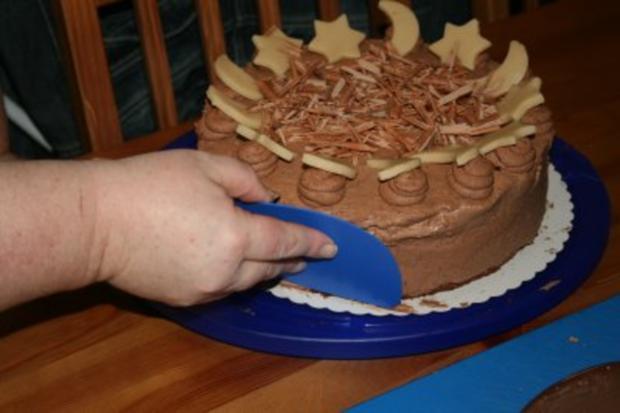 Torten: Trüffeltorte mit einem Hauch von Zimt - unsere Weihnachtstorte - Bilder sind on - - Rezept - Bild Nr. 46